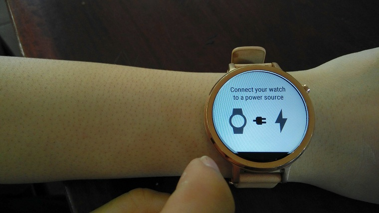 lam cach nao de ket noi smartwatch android voi iphone